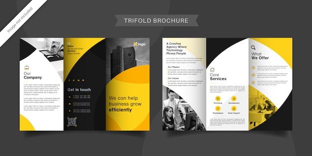 Brochura com três dobras
