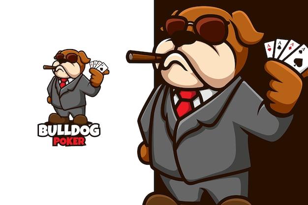Bulldog com cartas de jogador à mão em pano de gangster e pose