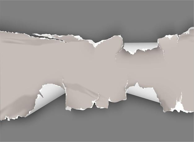 Buraco irregular rasgado em papel rasgado em fundo transparente