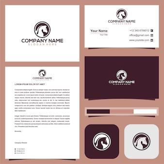Cabeça de cavalo no logotipo do círculo com cartão de visita