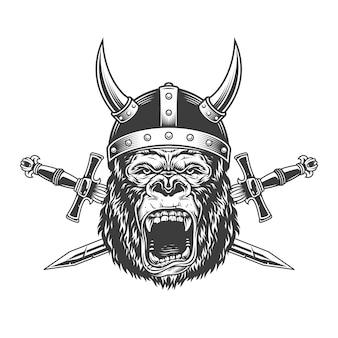 Cabeça de gorila bravo no capacete de viking com chifres