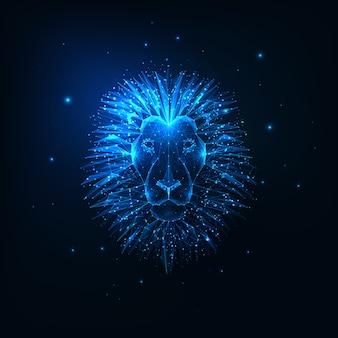 Cabeça de leão poligonal brilhante e futurista isolada em azul escuro