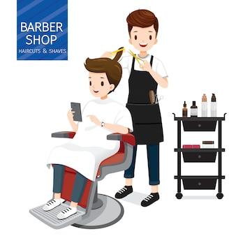 Cabeleireiro fazendo cabelo de cliente masculino na barbearia
