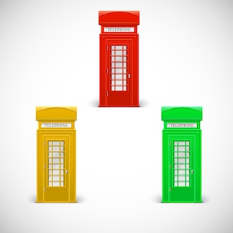 Cabines telefônicas coloridas, estilo londrino.