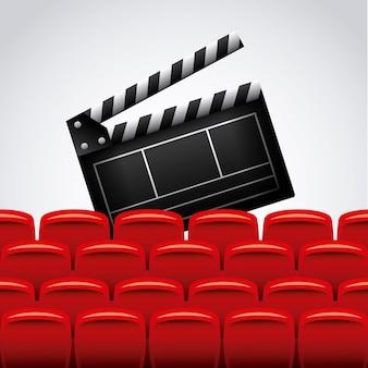 Cadeiras de ripa e teatro