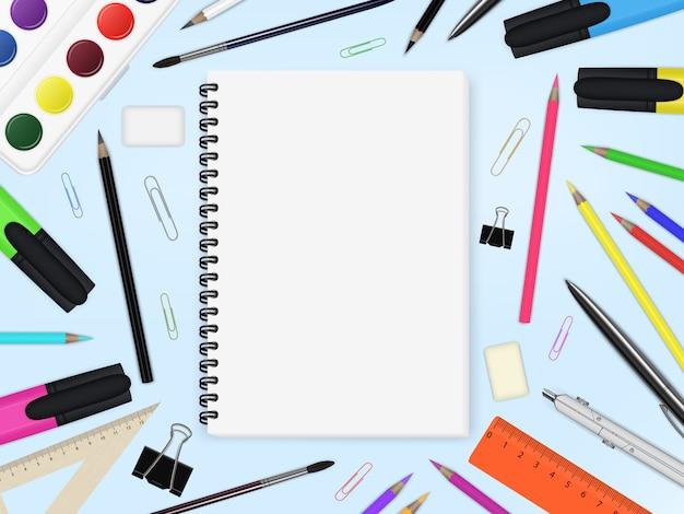 Caderno e elementos de papelaria