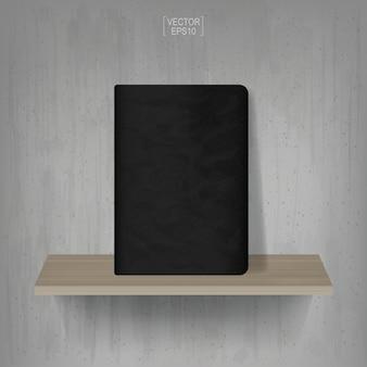 Caderno preto na prateleira de madeira com fundo de parede de concreto vintage. ilustração vetorial.
