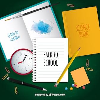 Cadernos, materiais e lições domésticas