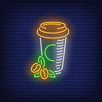 Café para viagem em sinal de néon de copo de plástico