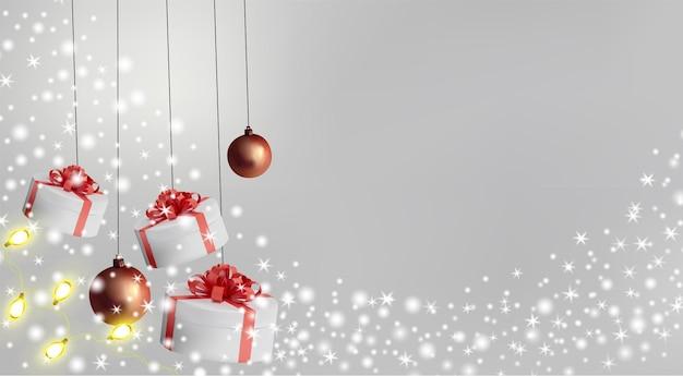Caixa de presente branca com fita vermelha e laço em cima. caixa de presente com brilhos, guirlanda amarela e brinquedos. ilustração.