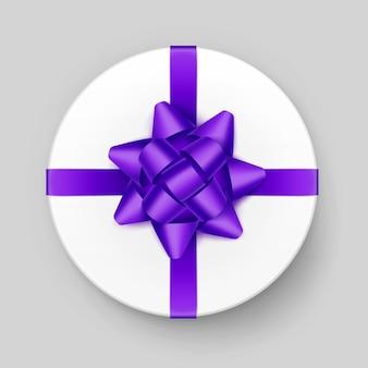 Caixa de presente redonda branca de vetor com laço violeta violeta brilhante e fita