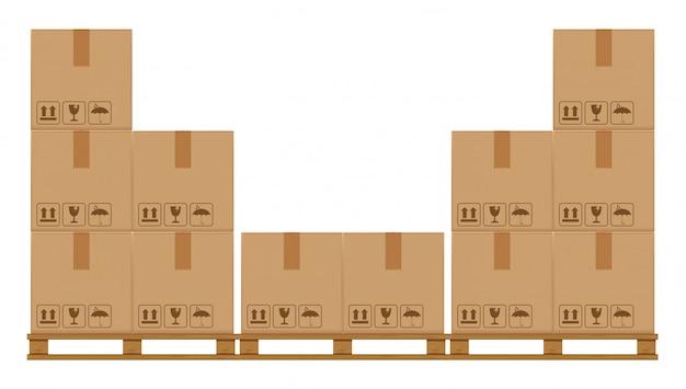 Caixas de caixas em paletes arborizadas