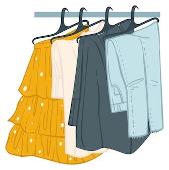 Calças de roupa de baixo e panelas de saias no rack