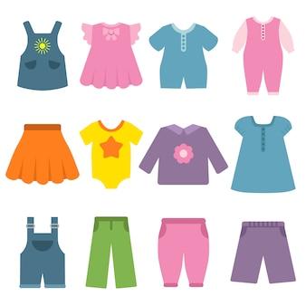 Calças, vestidos e outras roupas diferentes para crianças e bebês
