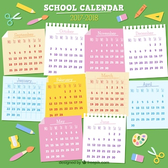 Calendário escolar 2017-2018 com notas adesivas