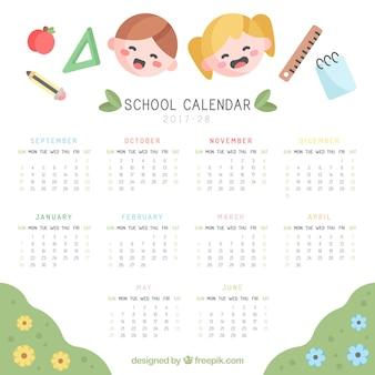 Calendário escolar com rostos infantis