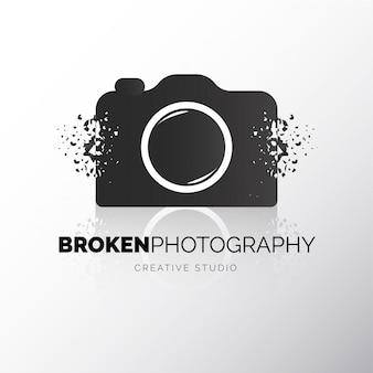 Câmera moderna quebrado logotipo