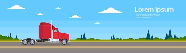 Caminhão vazio sem reboque no transporte de carga da estrada