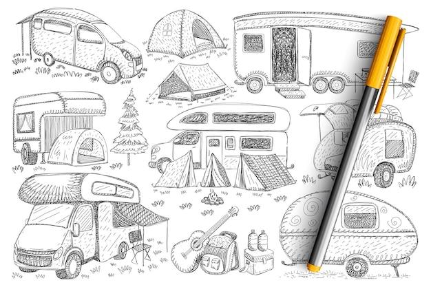 Caminhões para viajar conjunto de doodle. coleção de veículos de caminhões desenhados à mão, campings, tendas e acessórios para caminhadas e viagens isoladas na natureza.