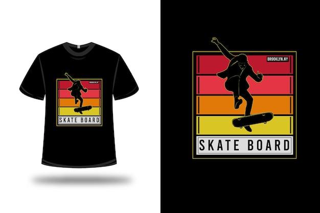 Camiseta brooklyn ny skate board cor vermelho laranja amarelo e branco