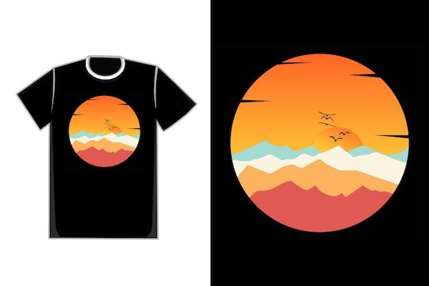 Camiseta montanha verão pôr do sol lindo céu pássaro