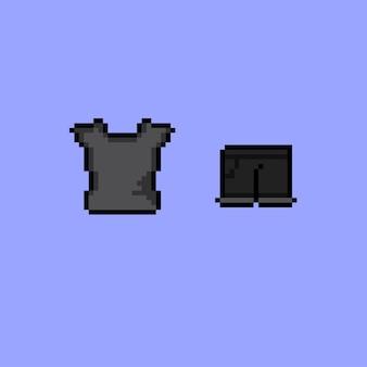 Camiseta preta e calças curtas com estilo pixel art