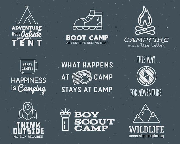 Camping logo conjunto com tipografia e elementos de viagem