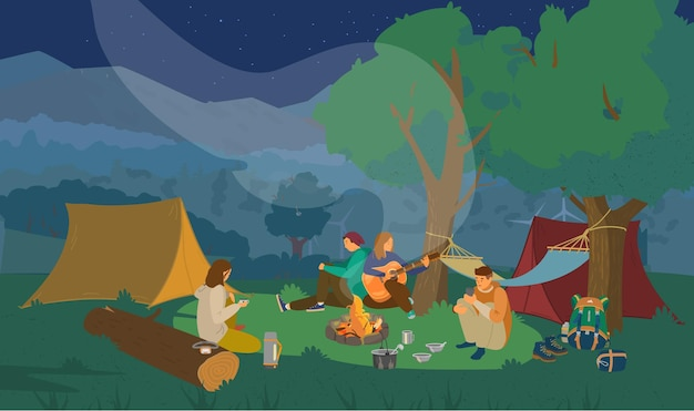 Camping noturno com um grupo de amigos sentados ao redor da fogueira e tocando violão.
