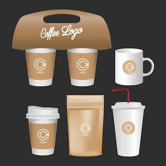 Caneca em branco, conjunto realista de xícara de café, isolado no fundo branco.