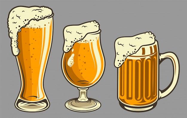 Canecas de cerveja com espuma em estilo vintage