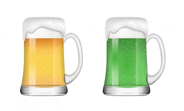 Canecas de cerveja louras e verdes