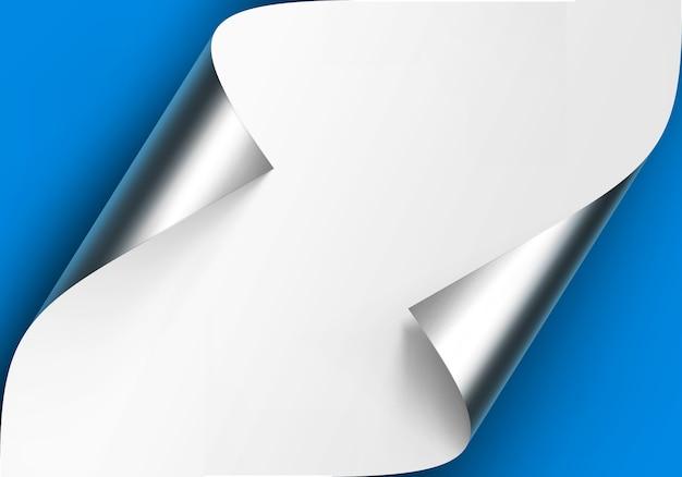 Cantos ondulados de prata metálica de papel branco com sombra