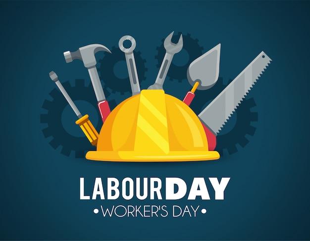 Capacete com ferramentas de construção para o dia do trabalho
