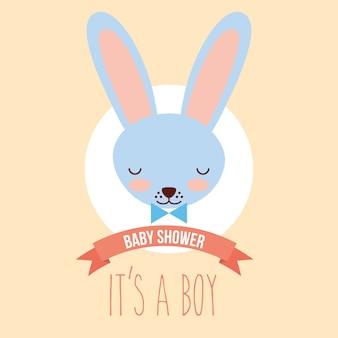 Cara azul bonito do coelho seu um cartão do convite do menino