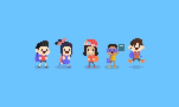 Caráter das crianças dos desenhos animados da arte do pixel de volta à escola concept.8bit.