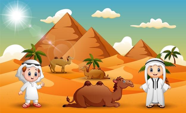 Caravanas estão pastoreando camelos no deserto