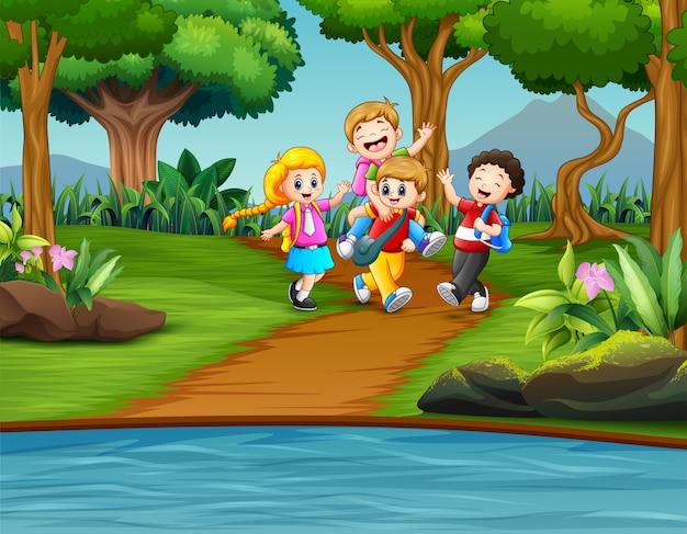 Caricatura, crianças, tocando, parque