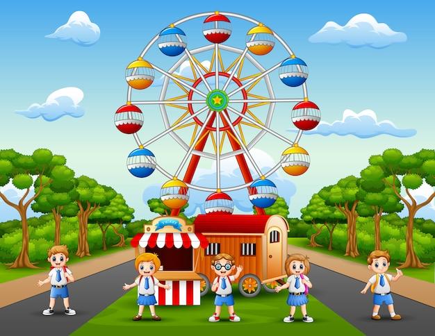 Caricatura, de, escola crianças, tendo divertimento, em, parque divertimento