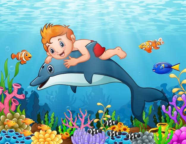 Caricatura, menino, com, golfinho, natação