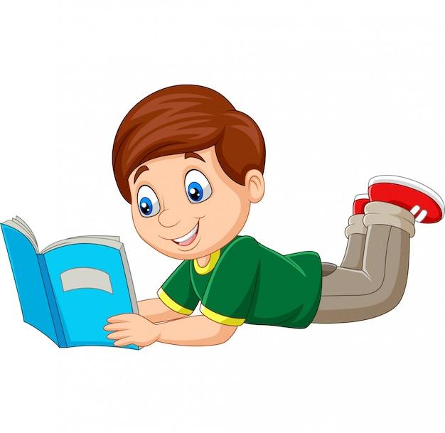 Caricatura, menino, deitando, e, lendo um livro