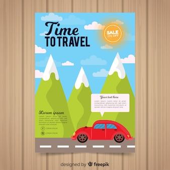 Carro através do panfleto de viagens de montanhas