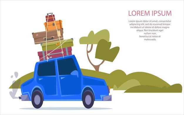 Carro azul com malas e passeios de carga no asfalto e na estrada no contexto da natureza