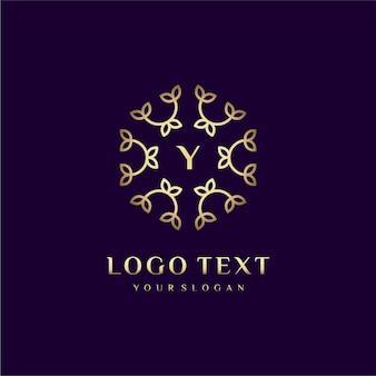 Carta de design de conceito de logotipo de luxo (a) para sua marca com decoração floral