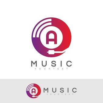 Carta inicial da música a design do logotipo