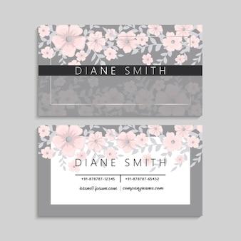 Cartão bonito com flores cor-de-rosa claras bonitas