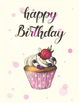 Cartão com bolinho desenhado de mão com morangos e mirtilos e letras feitas à mão. mão escrita escova na moda citação 'feliz aniversário