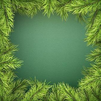 Cartão com borda de árvore de natal, quadro de galhos de pinheiro realista sobre fundo verde.