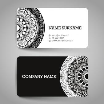 Cartão com ornamento pretos e brancos