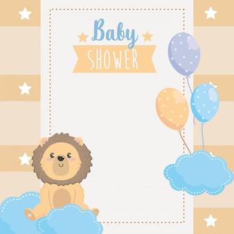 Cartão de animal fofo leão com balões