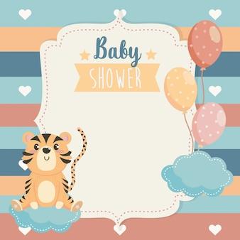Cartão de animal tigre com balões e nuvens